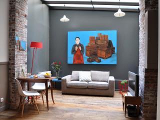 Cool & Artsy Loft Courtyard Marais // Air Cond - Paris vacation rentals