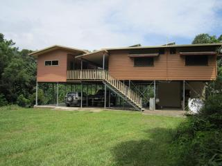 Beautiful 4 bedroom House in Daintree with Deck - Daintree vacation rentals
