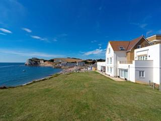 10 Tennysons View, Freshwater, Isle of Wight - Freshwater vacation rentals