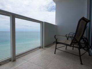 Design Suites Miami Beach 1427 - Miami Beach vacation rentals