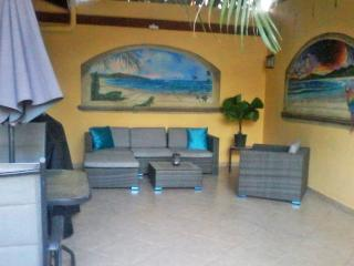 CASA PAPP! Our Home is your Home! PuRa ViDa! - Tamarindo vacation rentals