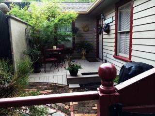 Charming Cottage with Internet Access and A/C - Savannah vacation rentals
