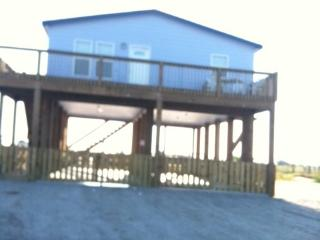 Nice Beach hut with A/C and Central Heating - Crystal Beach vacation rentals