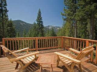 Twin Peaks - Awesome Mountain Views from this Large 5 BR Home with Hot Tub - Truckee vacation rentals