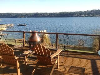 Sunny Cottage with Deck and Internet Access - Freeland vacation rentals