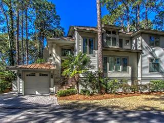 2 Genoa Court- Hot Tub & Pool Access and Quick Walk to Harbour Town - Hilton Head vacation rentals