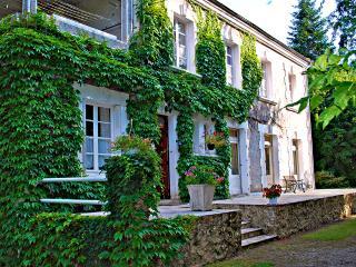 5 bedroom House with Satellite Or Cable TV in Villamblard - Villamblard vacation rentals