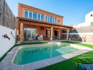 ES CLOSET - 0660 - Selva vacation rentals