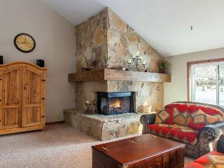 Condo for 8 w/private hot tub & balcony; video games - Park City vacation rentals