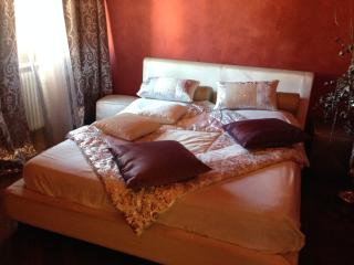 Lara Home - Bright flat between Lucca and Pisa - Santa Maria del Giudice vacation rentals