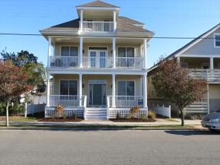 Spacious 5 BR With Ocean Views on 5th Street - Ocean City vacation rentals