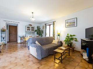 2 bedroom Gite with Internet Access in Taillades - Taillades vacation rentals