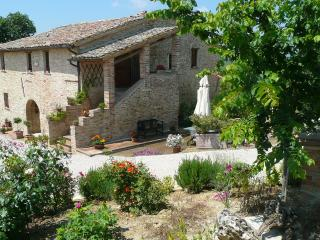Nice Townhouse with Internet Access and Central Heating - Sant'Enea vacation rentals