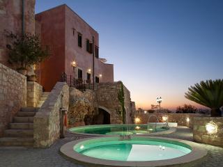 Leonidas Traditional House at Chania - Kastellos vacation rentals