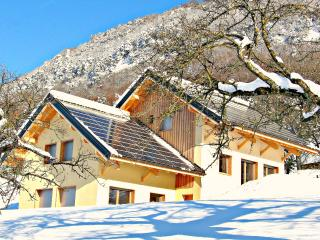 Bright Montagnole vacation Cottage with Satellite Or Cable TV - Montagnole vacation rentals