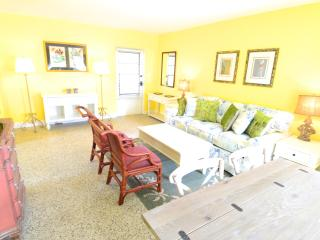 NEW FOR SPRING 2015! (1B) 21 NEWLY REMODELED UNITS - Sarasota vacation rentals