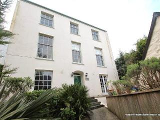 Sea View, Lymouth - Spacious Grade II listed property sleeping up to 6 guests in Lynmouth - Lynmouth vacation rentals