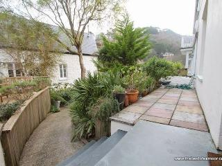 Sea View, Lynmouth - Spacious Grade II listed property sleeping up to 6 guests in Lynmouth - Lynmouth vacation rentals