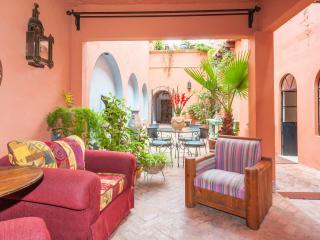 4 bedroom Guest house with Deck in San Miguel de Allende - San Miguel de Allende vacation rentals