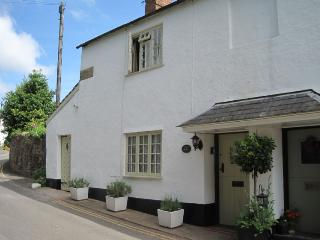 Ruffles Cottage, Dunster - Sleeps 4 - Exmoor National Park - Medieval village of Dunster - Watchet vacation rentals