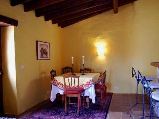 Lovely House with Deck and Internet Access - Serra del Rei vacation rentals