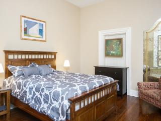 Comfortable Condo with Internet Access and Washing Machine - Pittsburgh vacation rentals