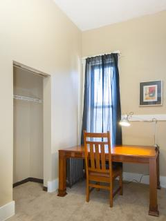 2 bedroom Condo with Internet Access in Pittsburgh - Pittsburgh vacation rentals