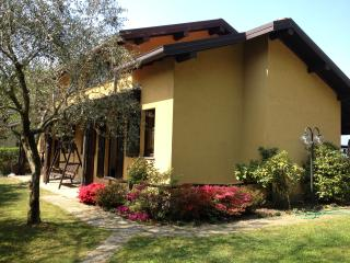 3 bedroom Condo with Internet Access in Regoledo - Regoledo vacation rentals