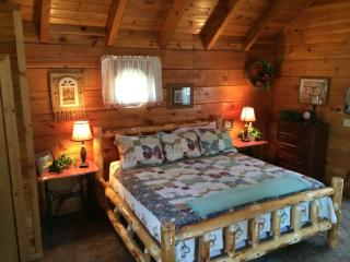Sapphire Shadows Gatlinburg Honeymoon Log Cabin - Gatlinburg vacation rentals