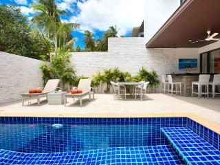 Pretty home with tropical comfort - Choeng Mon vacation rentals