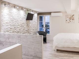 Marseillecity - Coté cour - chambre 1 - Marseille vacation rentals