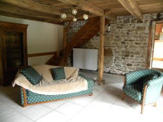 Cozy 2 bedroom Gite in Autun - Autun vacation rentals