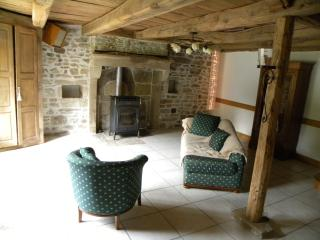 2 bedroom Gite with Deck in Autun - Autun vacation rentals
