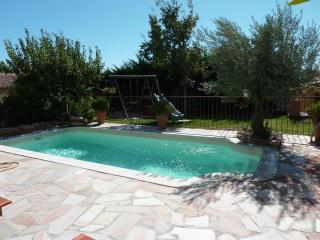 Nice Villa with Internet Access and Outdoor Dining Area - Coudoux vacation rentals