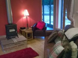 Lovely 4 bedroom Barn in Weston on Trent with Internet Access - Weston on Trent vacation rentals