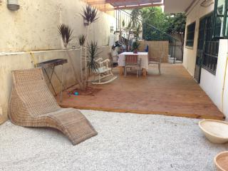 Ranak - Spacious 2 Bed, Garden & Kids Pool - Tel Aviv vacation rentals