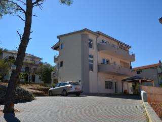 Cozy 2 bedroom Condo in Arbanija - Arbanija vacation rentals