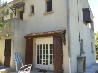 Nice Condo with Internet Access and Central Heating - Valensole vacation rentals