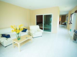 Beach Apartments Hat Mae Ramphung - Rayong vacation rentals