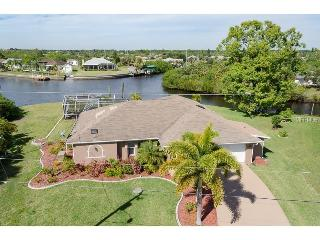 LUX WATERFRONT 3/2 POOL-JACUZZI-BOAT DOCK-BCHS - Port Charlotte vacation rentals