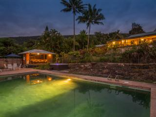 Private Hawaiian Paradise Minutes to the Best Beac - Captain Cook vacation rentals