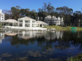 Green Park 2 amb con parrilla a estrenar Exelente - Punta del Este vacation rentals