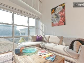 Duplex loft in Santa Monica blocks to the beach! - Santa Monica vacation rentals