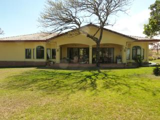 La Casa Amarilla, a Gorgeous Villa near Boquete - Boquete vacation rentals