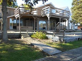 Chippewa Lake Apartment W/ Dock for your boat. #4 - Big Rapids vacation rentals