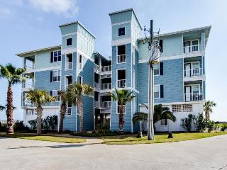 Waterfront rental w/ shared hot tub and pool - stroll to the sand & Beach Club! - Galveston vacation rentals