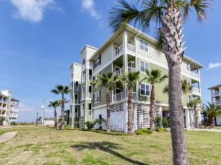 Luxurious oceanfront condo w/ shared hot tub & pool, nearby beach access! - Galveston vacation rentals