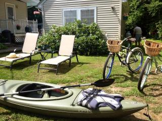 $125 Romantic Cottage Studio Getaway - Northwood vacation rentals