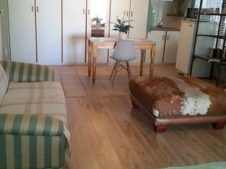 Cozy Durbanville Studio rental with Internet Access - Durbanville vacation rentals