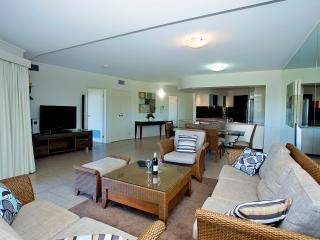 Beautiful 3 bedroom Agnes Water Condo with Deck - Agnes Water vacation rentals